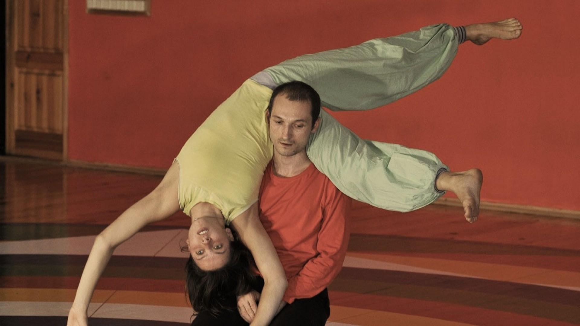Контактная импровизация: смесь танца, медитации и боевого искусства