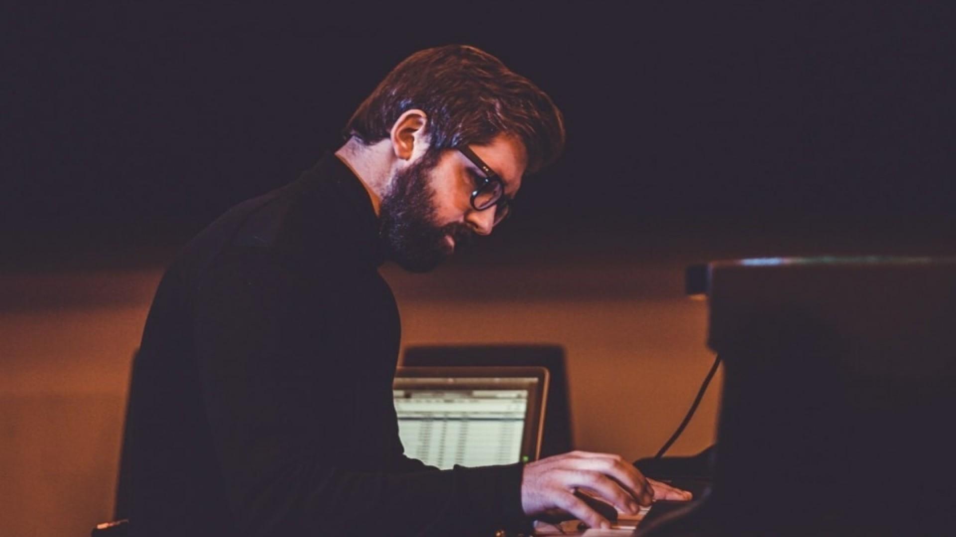 10 минут расслабляющей музыки от Миши Мищенко
