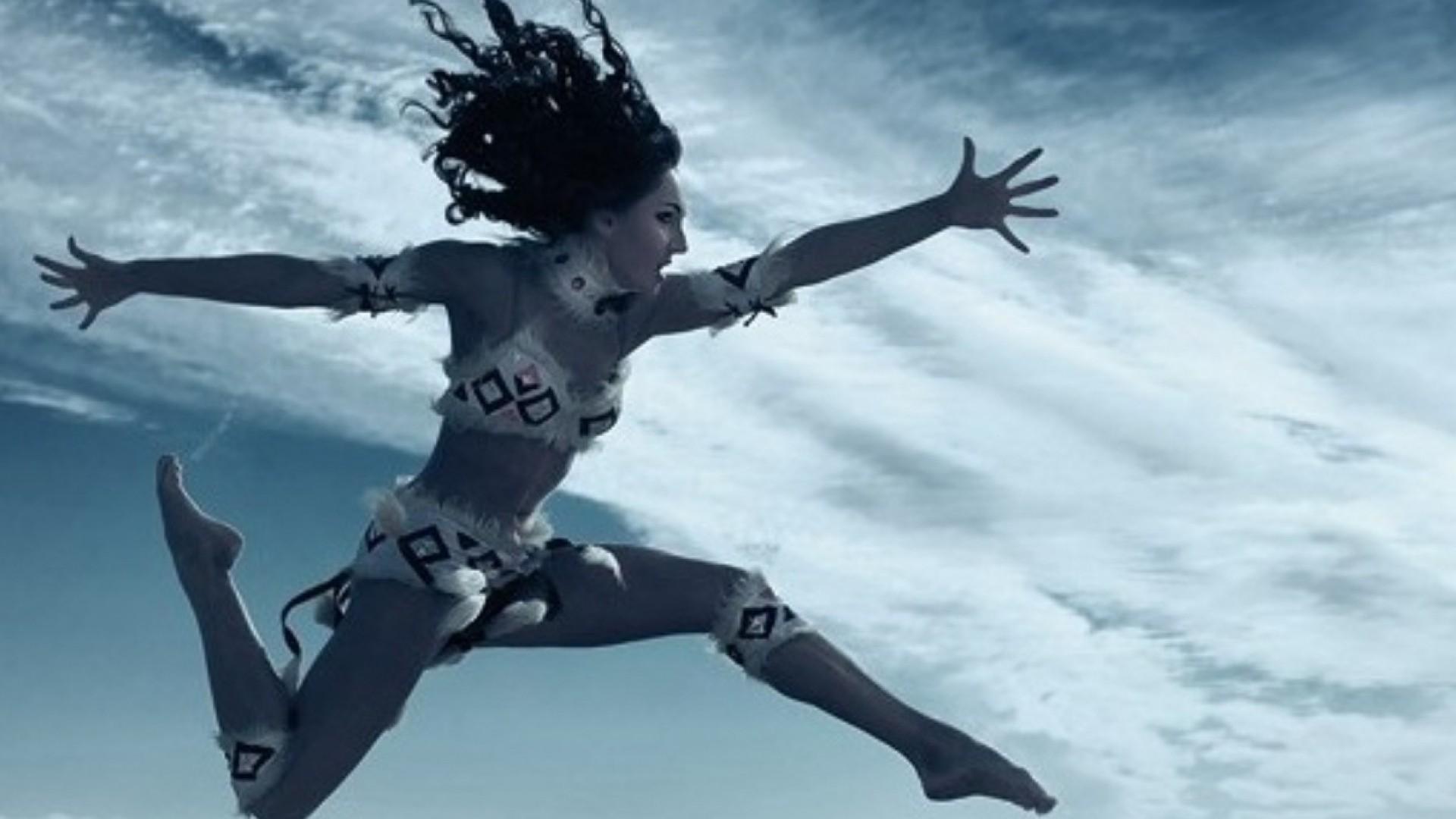 «Природа движения»: автопортрет от Сергея Суховея