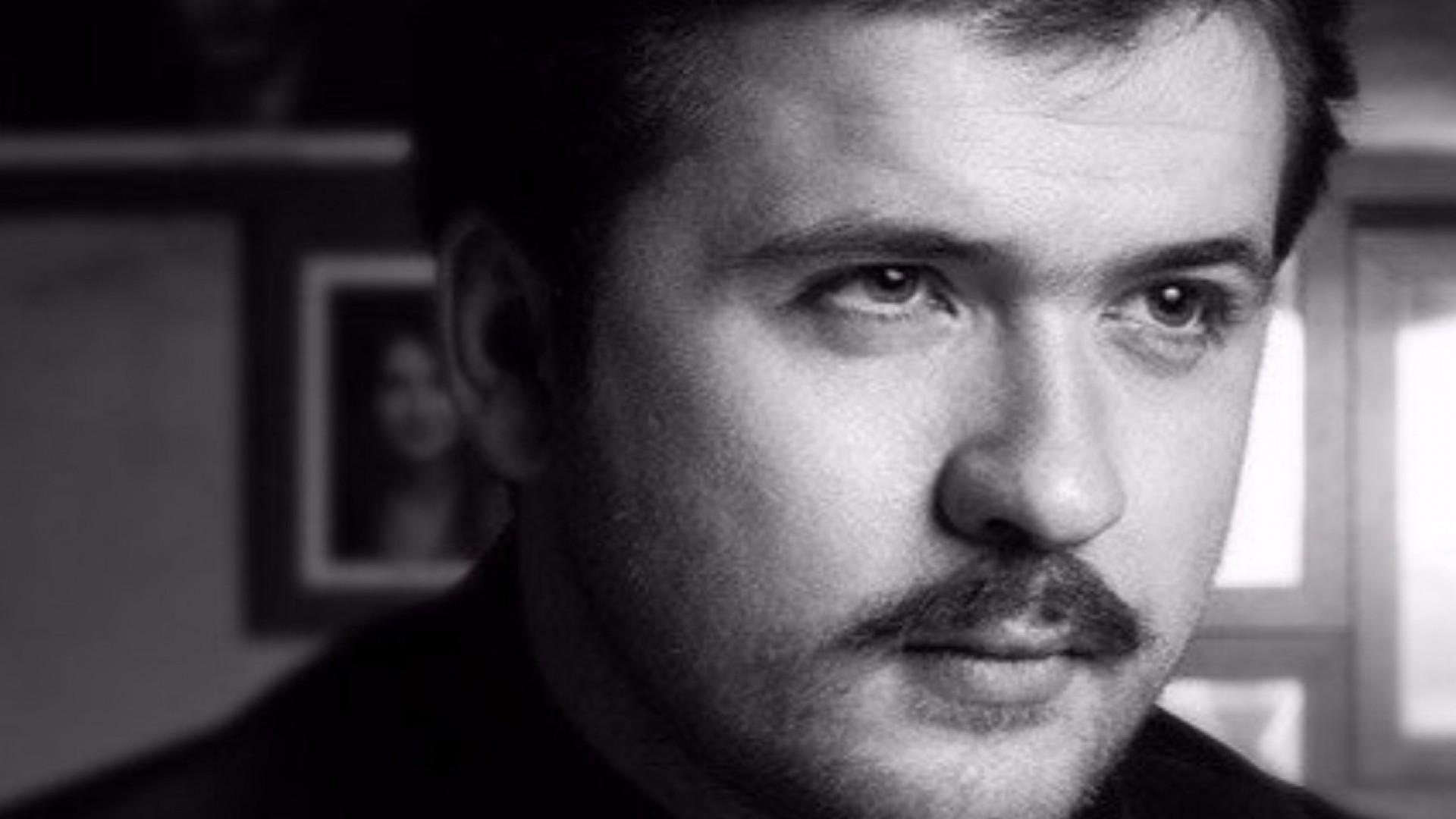 Артем Свиряков: «Для меня90е—одна большая барахолка…»