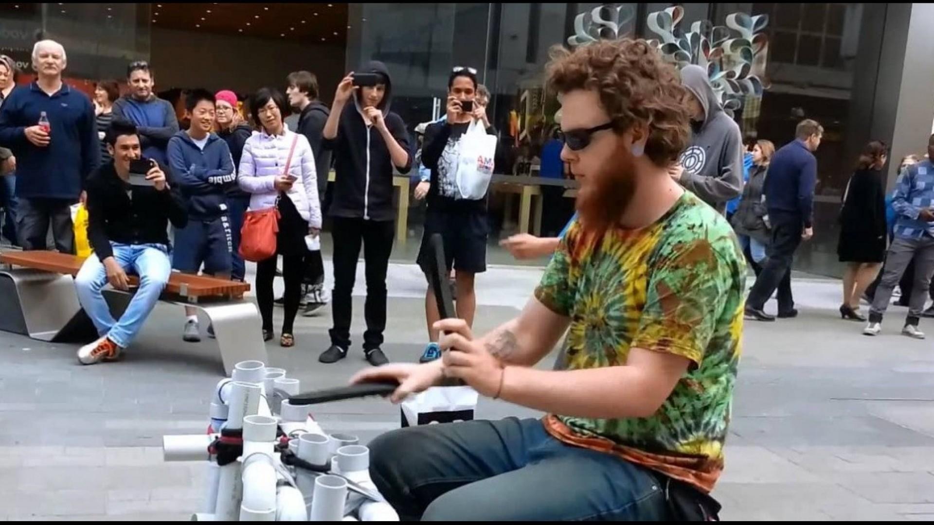 А вы ноктюрн сыграть могли бы на флейте водосточных труб? (Видео!)