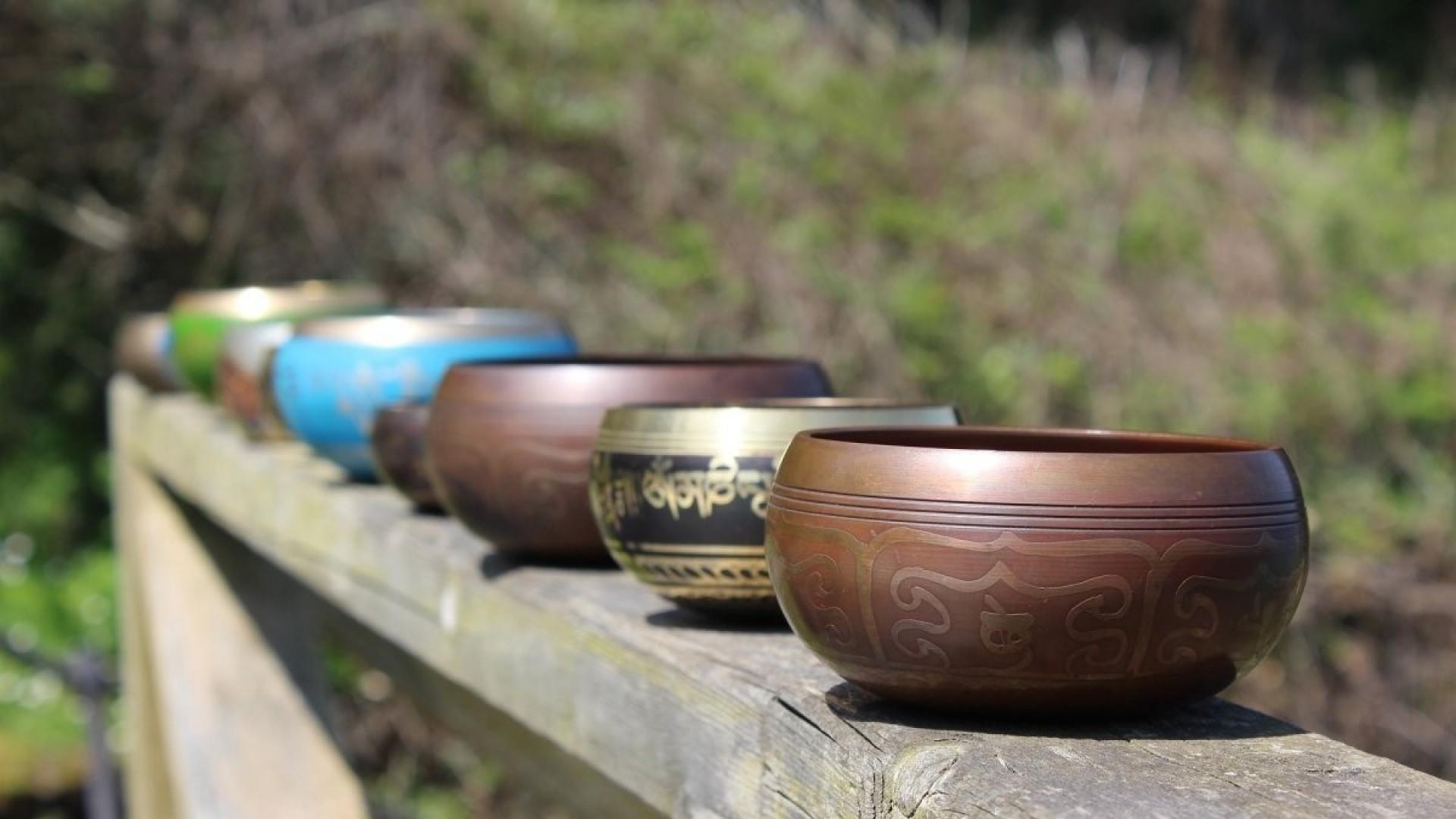 Зачем поют чаши: волшебство звуковой медитации